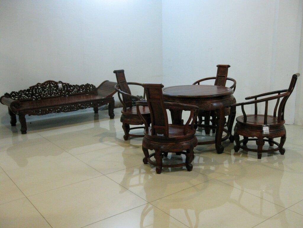 Кушетка, стол и стулья, Китай