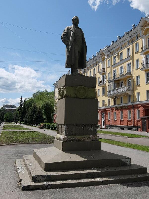 Новокузнецк - Памятник Кирову