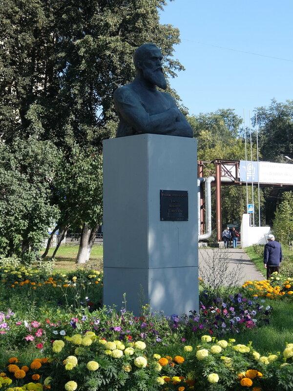 Новокузнецк - Памятник Обнорскому