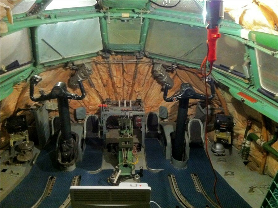 Как из самолета Ту-154М сделать авиатренажер