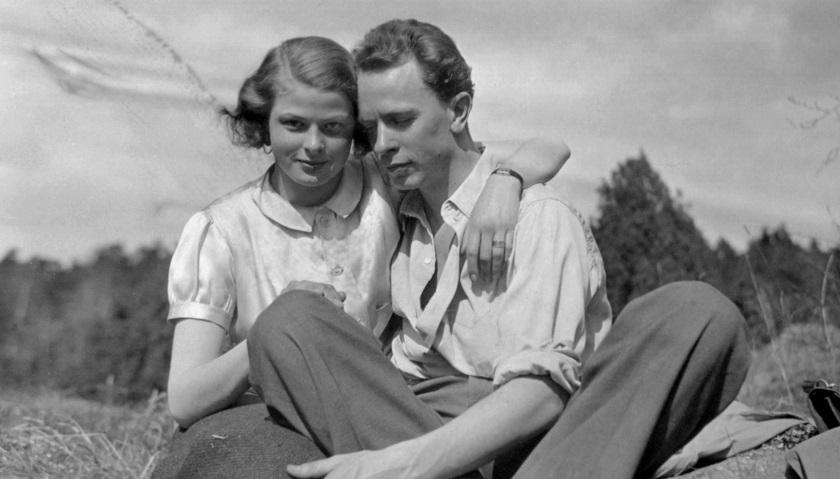 Ingrid Bergman with her first husband Peter Lindström.jpg