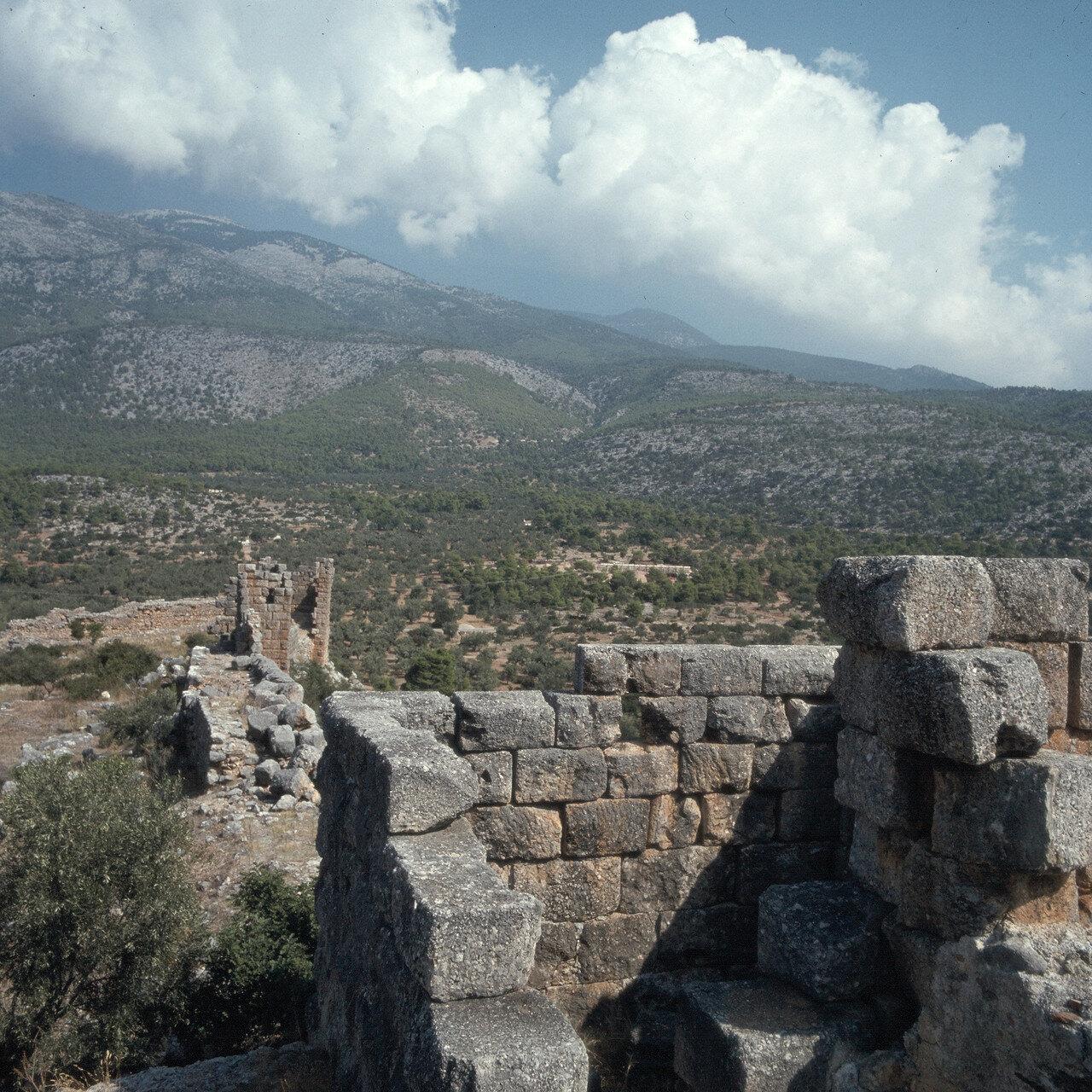 Порто Гермено. Эгосфены. Акрополь Эгосфен. Мегарская пограничная крепость IV-III вв. до н.э. На Акрополе