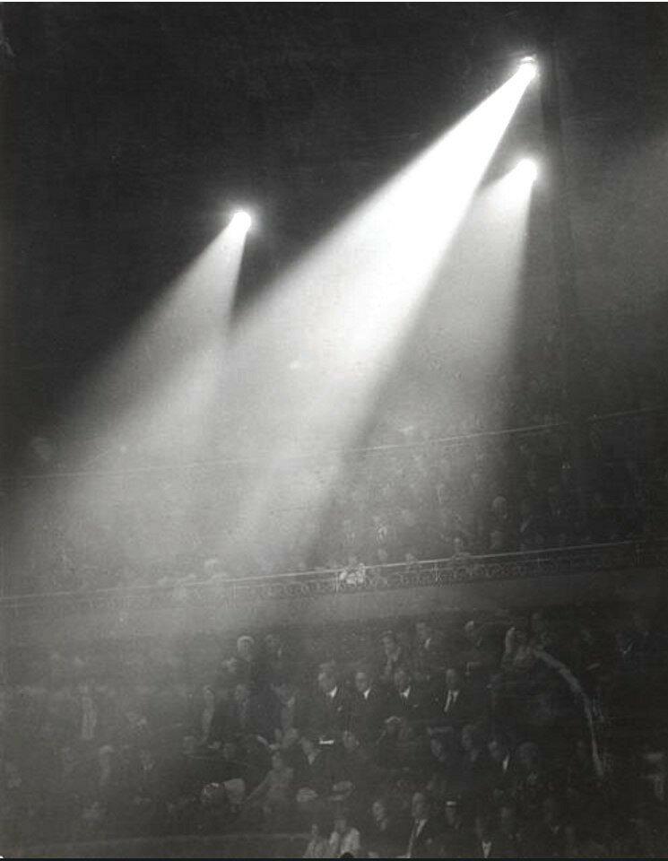 1932. Цирк Медрано