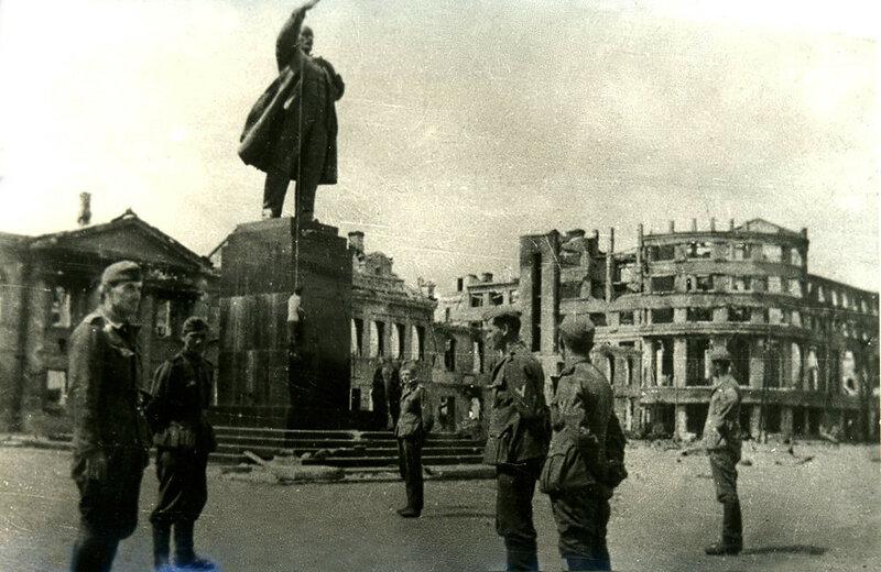 стихи о Ленине, памятник Ленину