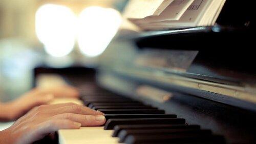 """Фонд """"Эдельвейс"""" поддержал молодого музыканта из Молдовы"""