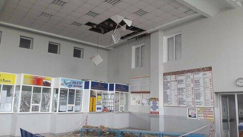 На одном из автовокзалов Кишинёва в час пик рухнул потолок