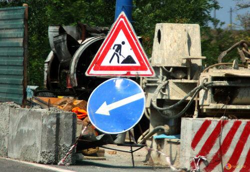 Житель Астрахани самостоятельно отремонтировал дорогу