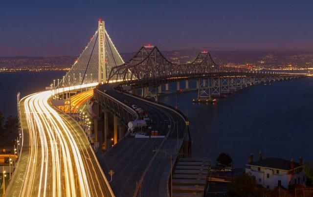 2. Сан-Франциско. Старый и новый мост Бей-Бридж. Прошлое и настоящее рядом Первый мост был построен