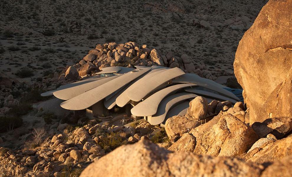 Вполне ожидаемо, что в качестве материала для строительства частично выступили горные породы, которы