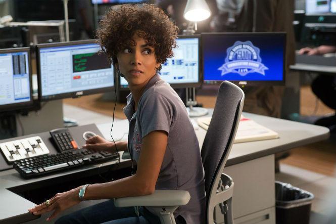 2. Полиция не может отследить звонок немедленно В фильмах полиции часто приходится вести с преступни