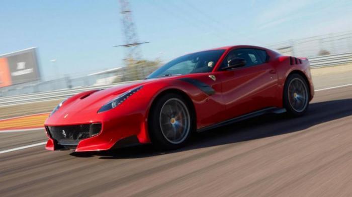 Ferrari F12tdf: 0-100 км/ч за 2,9 с Отбросьте электрическую начинку и получите вот это – самую мощну