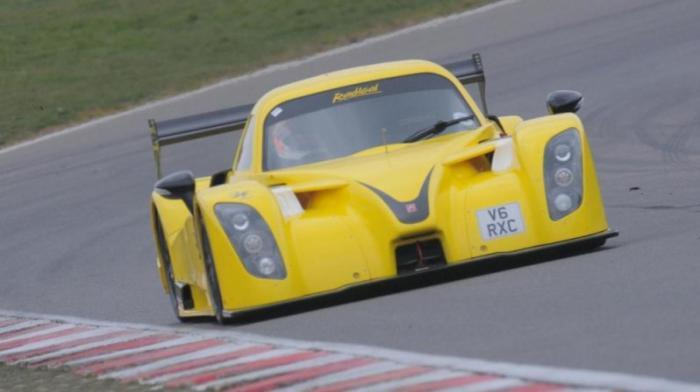 Radical RXC: 0-100 км/ч за 2,8 с Легкий V8 собственной разработки Radical к небольшой кучке железа м