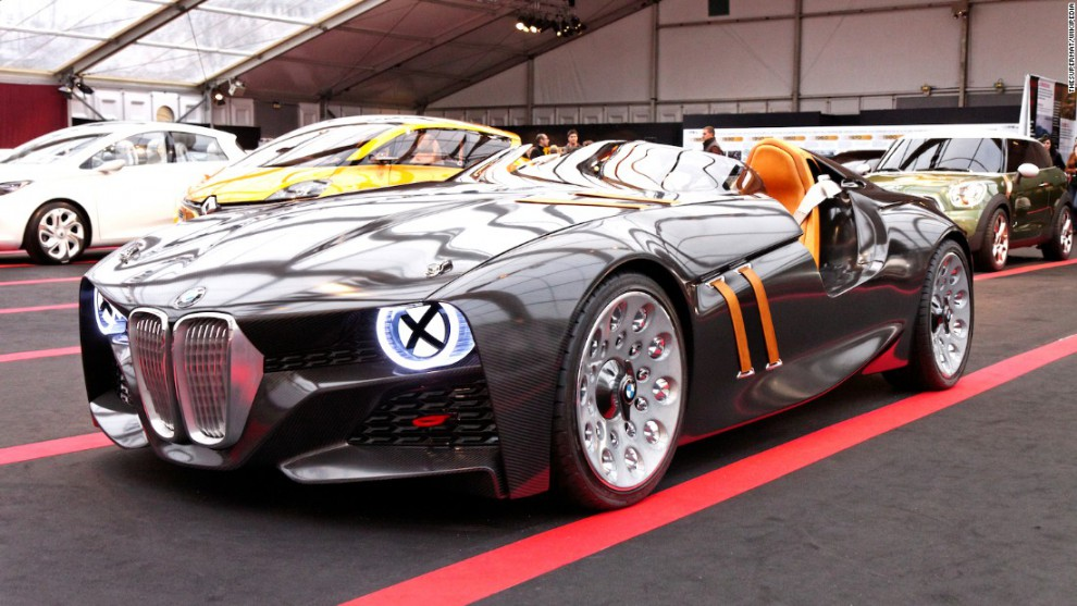В 2011 концерн BMW своим примечательным, лихим концептом 328 Hommage напомнил об оригинальной модели