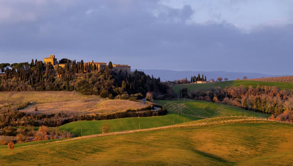 Италия. Тоскана. Замок Поррона. В здании расположено 22 номера гостиницы. Стоимость двухместного