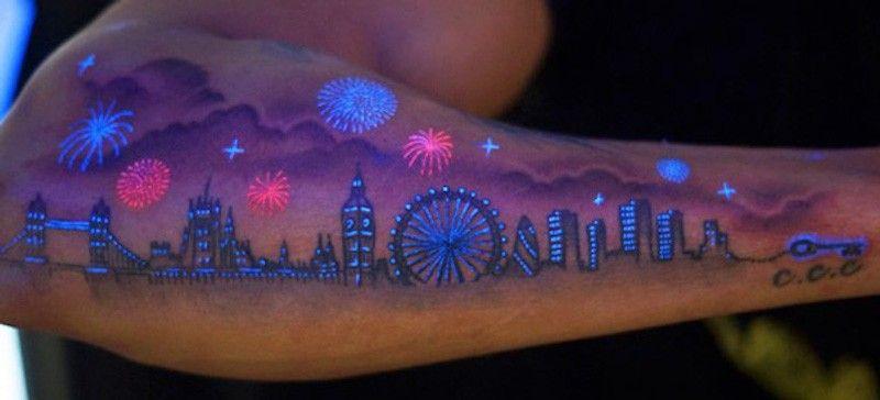 Силуэт города Надо учесть, что не все тату-мастера соглашаются делать подобные татуировки. Причина —