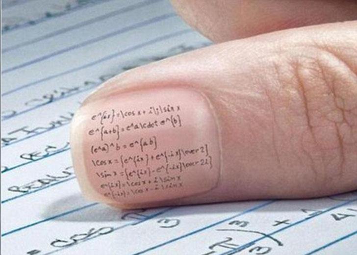 Для записи формул можно использовать собственные ногти.