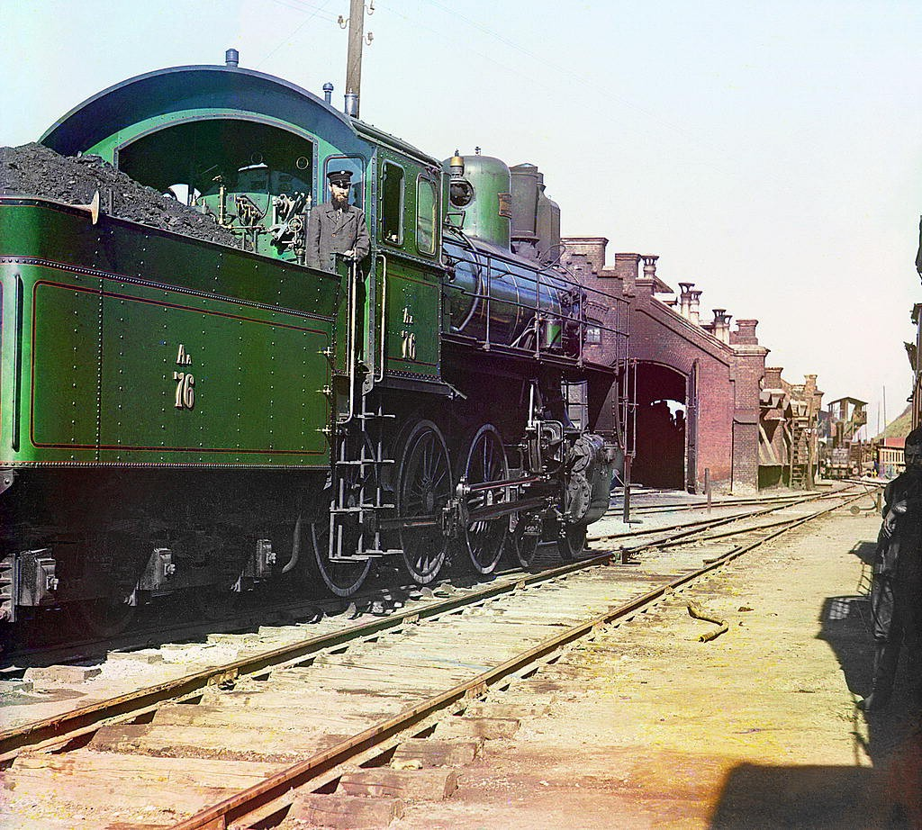 7. В 1920-х годах Прокудин-Горский проживал в Ницце, и местная русская община получила драгоценную в