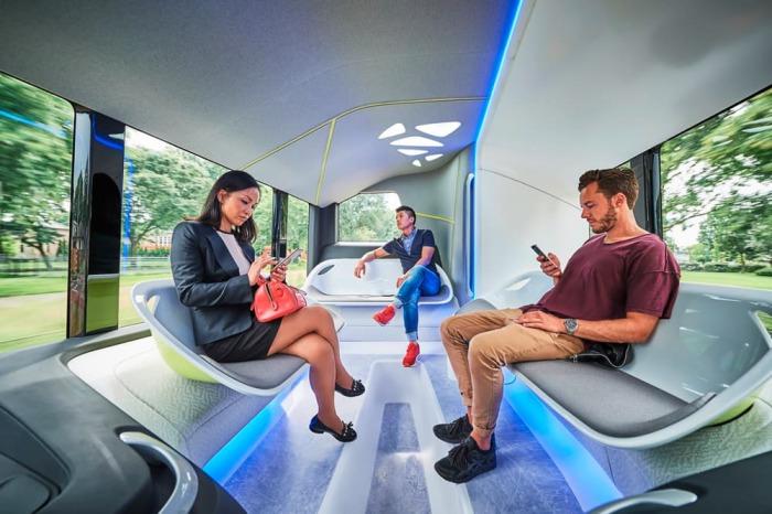 Автобус для самых комфортабельных поездок. Система использует 10 камер для сканирования дороги и окр