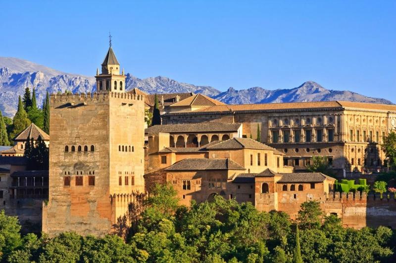 Интересные города Испании: Гранада