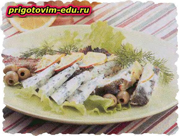Камбала, фаршированная оливками и голубым сыром