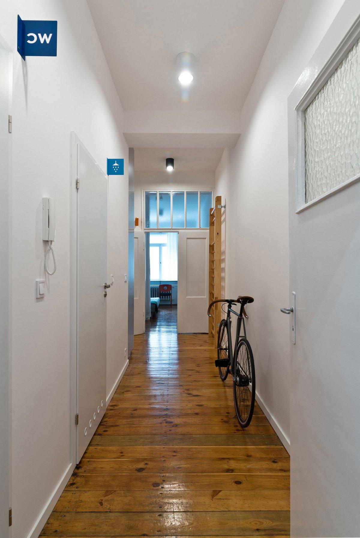 Adam Wiercinski, планировка квартиры фото, студенческая квартира фото, как живут студенты в Польше, оригинальный дизайн интерьера квартиры фото