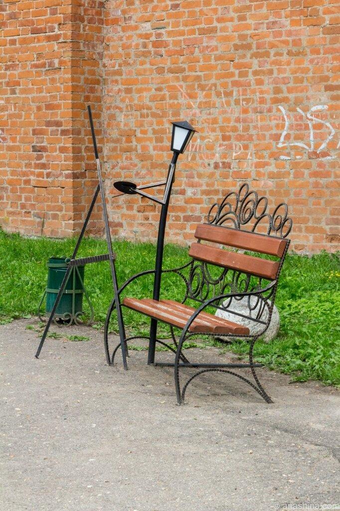 Скамейка с живописцем, Лопатинский сад, Смоленск