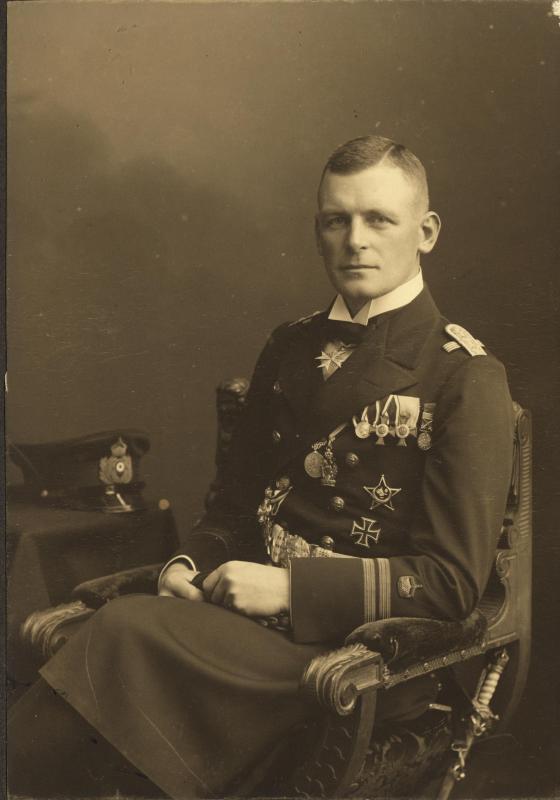 KapitaenleutnantValentiner.jpg