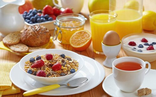 Медики назвали самые полезные для фигуры завтраки