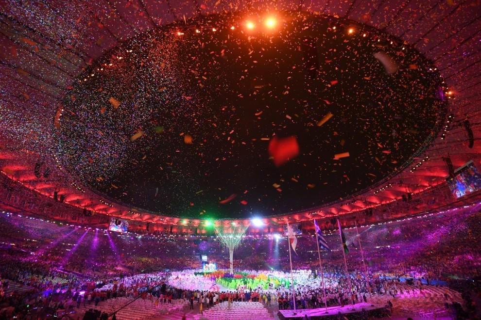 Увлекательные кадры с закрытия Летних Олимпийских игр в Рио 2016 года