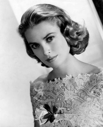 grace_kelly_dress_02.jpg