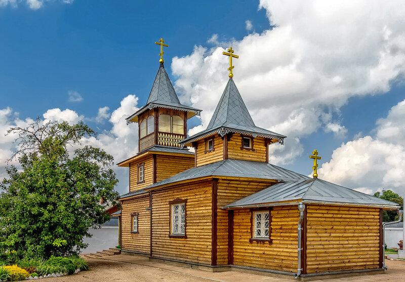 Храм в Спасо-Казанском Симанском монастыре