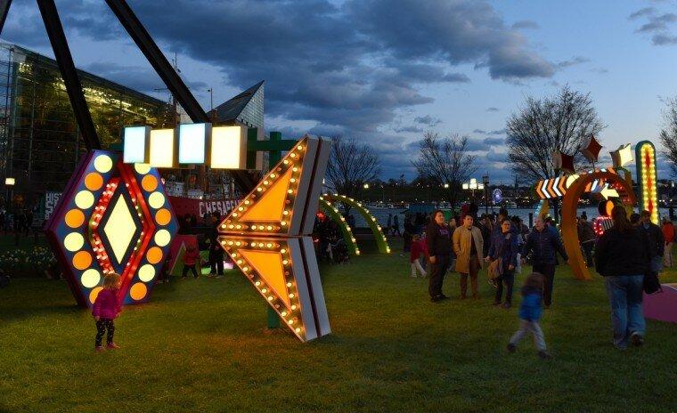 Light City: фотографии красочного фестиваля огней в Балтиморе 0 22c123 3db5ebd7 XL