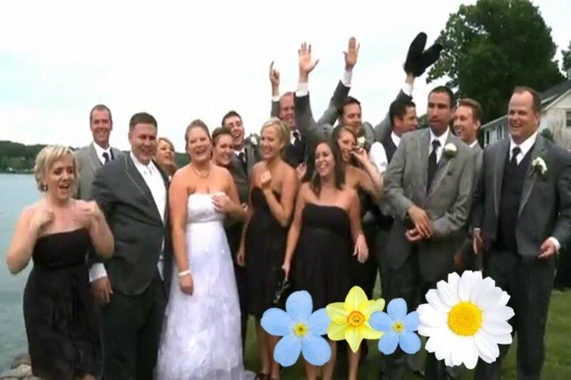 Самая эффектная свадебная церемония года, закончившаяся падением в реку