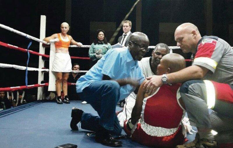 Женщина боксер из Африки умерла после мощного удара на ринге