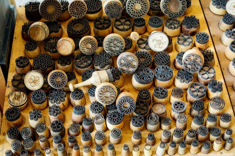 38. Лепешка в Узбекистане настолько популярна, что мало кто вообще покупает обычный хлеб. В каж
