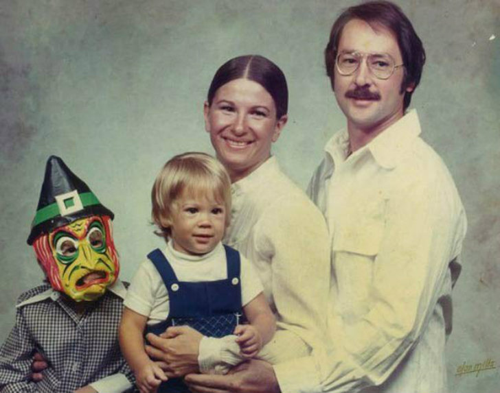 Очаровательная семейная фотография.