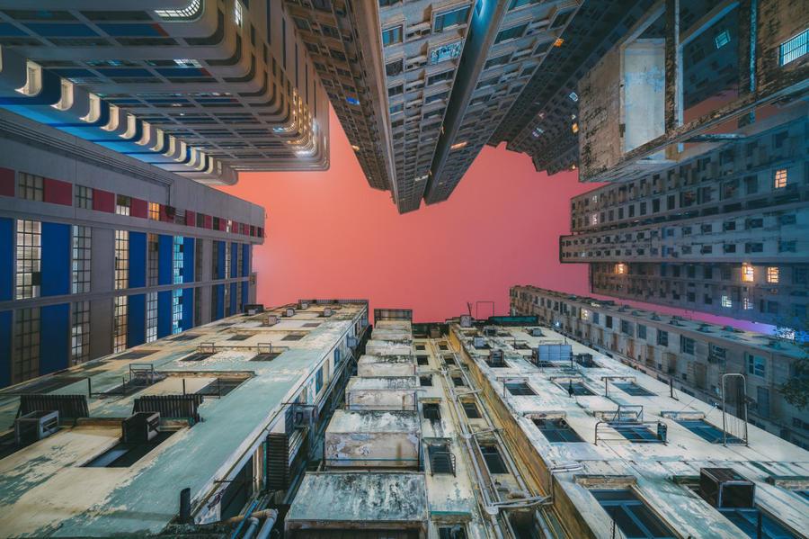 4. А вот попасть на крышу хотя бы одного из зданий вряд ли кому-то удастся, так как вход туда строго