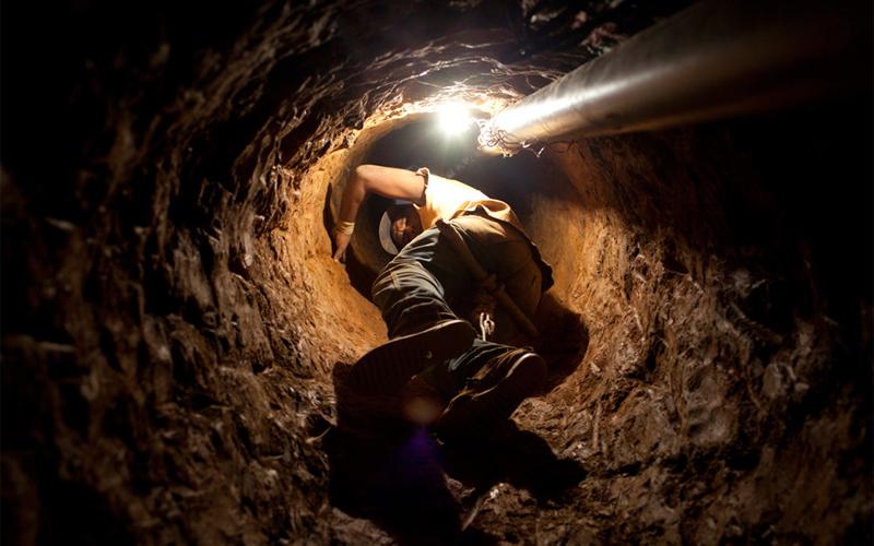 Никакая вентиляция не спасает рабочих на такой невероятной глубине. По утверждениям владельцев, совр