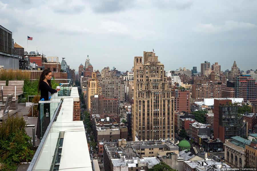 34. Вид с крыши на типичный Нью-Йорк.