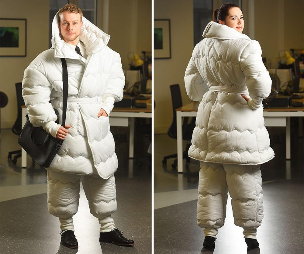 Британский дизайнер Венди Бенстэд (Wendy Benstead) создал оригинальный костюм-одеяло, когда узнал, ч