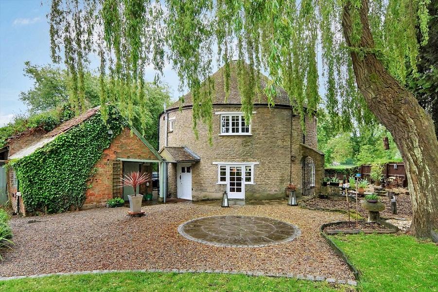 Круглые дома Англии