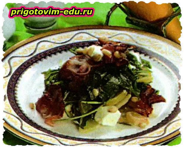 Салат с фетой и грушами