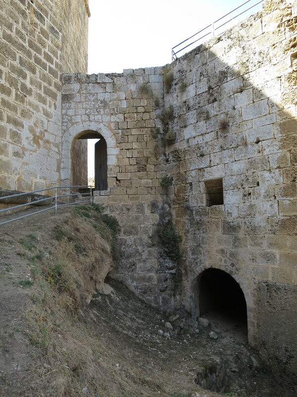 Фамагуста. Город. Проход в туннель к основанию бастиона Риветтина
