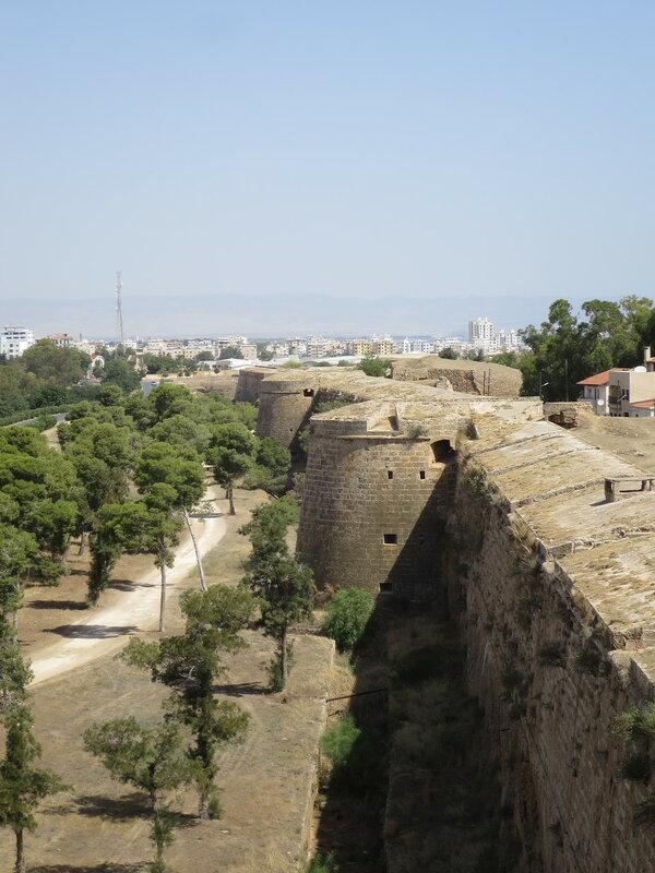 Фамагуста. Город. Линия западной стены от бастиона Риветтина до Мартиненго