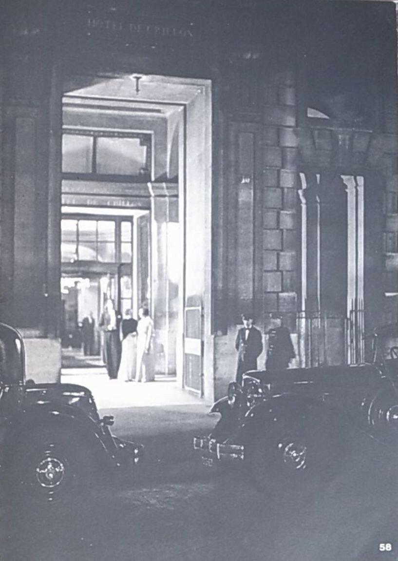 1930. «Отель Крийон»