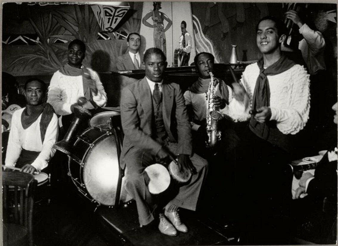 1932. Негритянский ансамбль в «Cabane Cubaine»