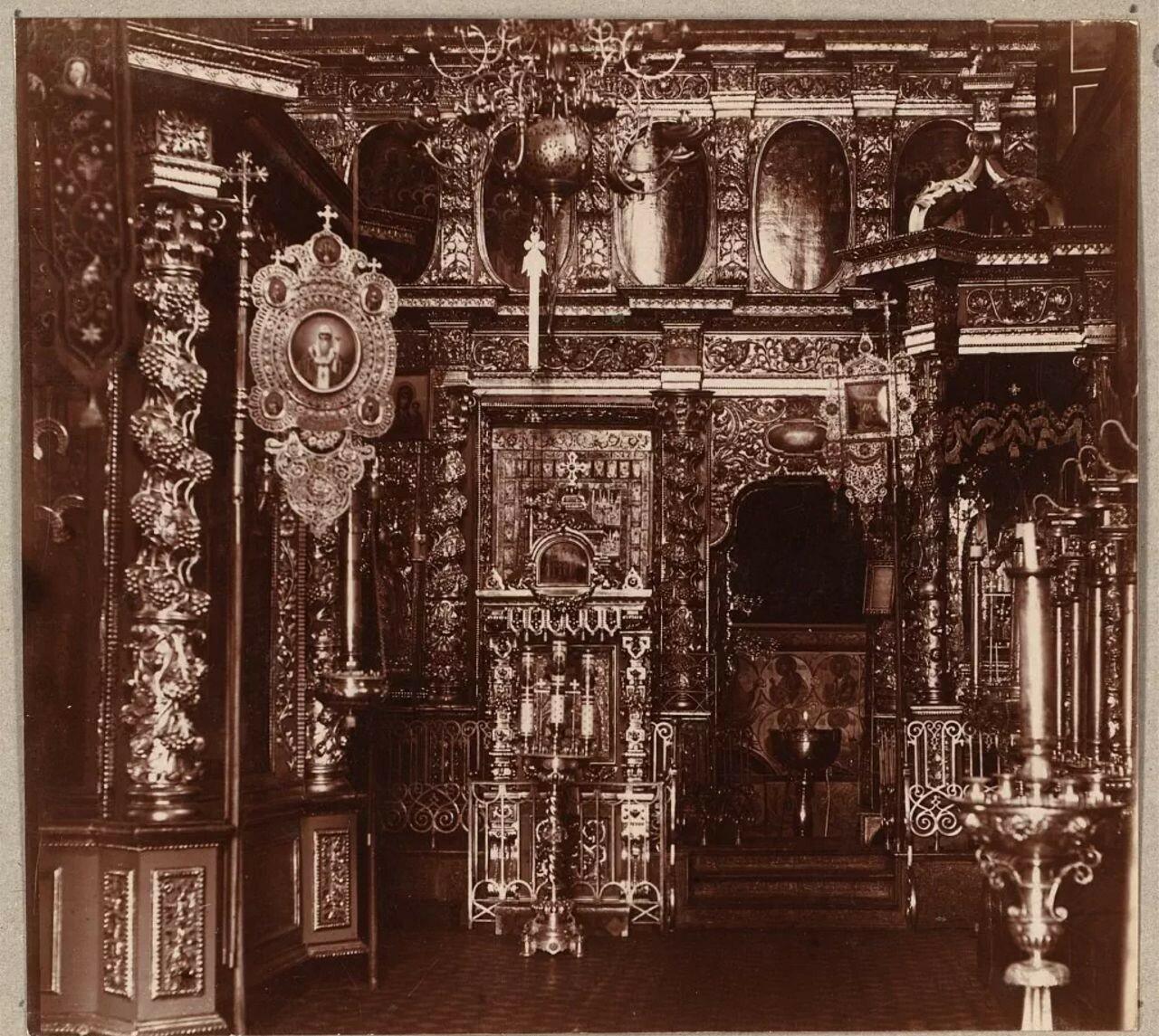 Кремль. Успенский собор. Правый придел Успенского собора