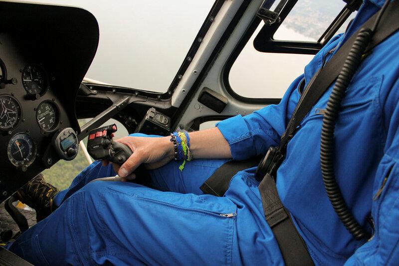 В кабине вертолёта