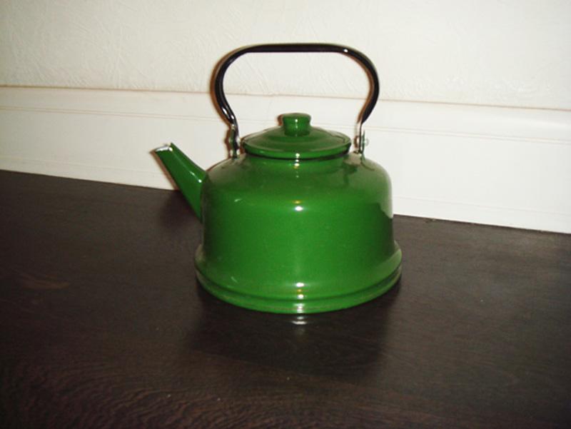 4. Чайник. «Чайник как чайник, ничего особенного. Похожий был у моей бабушки».