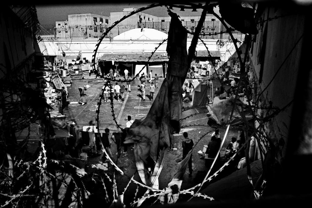 Это самая старая тюрьма в Южной Америке, где заключенные улаживают споры на поединках, используя кус